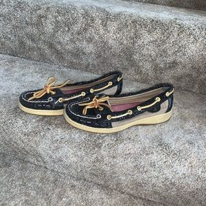 Sperry Top Sider Anglefish boat shoes.